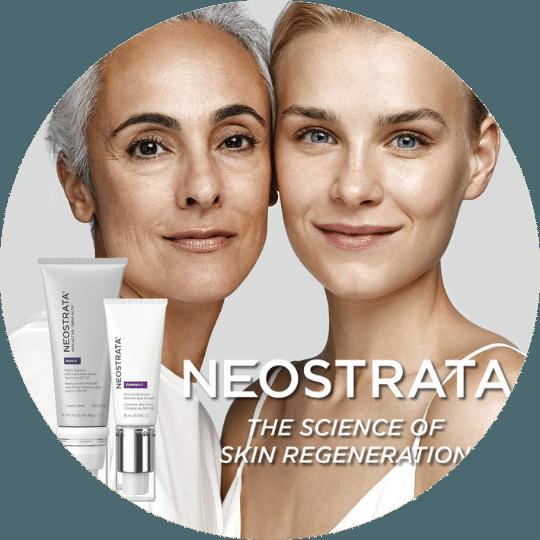 En ung og eldre kvinne med myk, vital hud. Ved siden av Neostrata produkter for bruk i hjemmet.