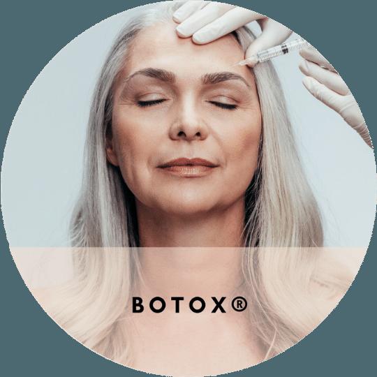 Pasient injiseres med Botox-injeksjon fra Allergan som et trinn i rynkebehandling.